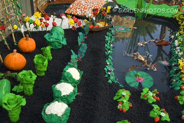 Plasticine-Garden-Chelsea-13893
